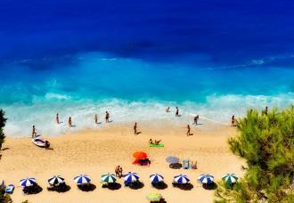 protezione solare crema raggi violetti spiaggia tintarella