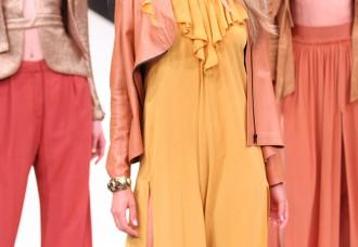 tuta elegante donna moda estate 2017