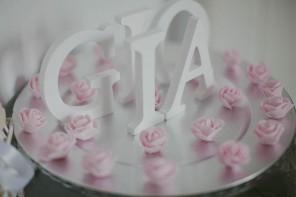 Elogio del calzino in un battesimo rosa