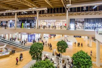 il centro arese centro commerciale negozi supermercato primark zara h&m calvin klein interno struttura