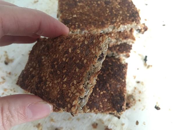 barrette energetiche fatte in casa pasto alternativo frutta secca semi alimentazione corretta