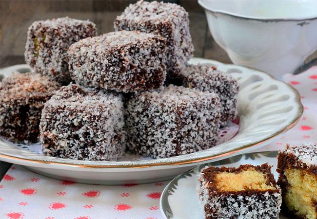 cubetti di cioccolato e cocco pan di Spagna dolce ricetta