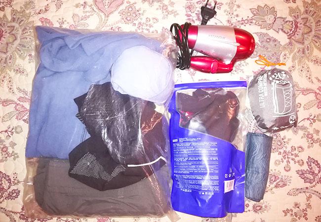 cammino di santiago kit per 250 km ad aprile viaggio avventura miniphon kit beauty