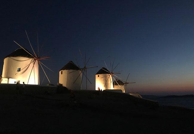 mykonos guida per un weekend cosa fare cosa vedere dove cosa mangiare isola grecia egeo mulini di notte