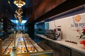 La pasticceria di Salvatore De Riso apre al mercato del Duomo